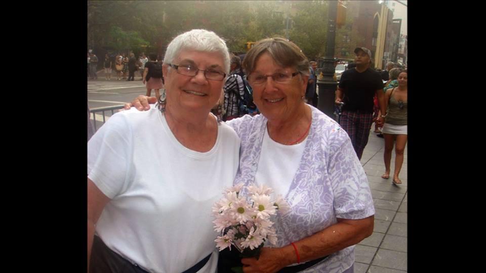 Ruthie y Connie - Pareja de abuelas lesbianas
