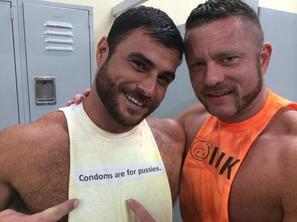 """Mike Dozer: """"Los condones son para maricas"""""""