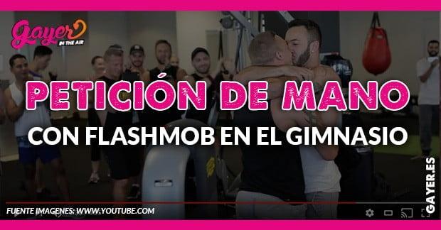 Flashmob con petición de mano en el gimnasio