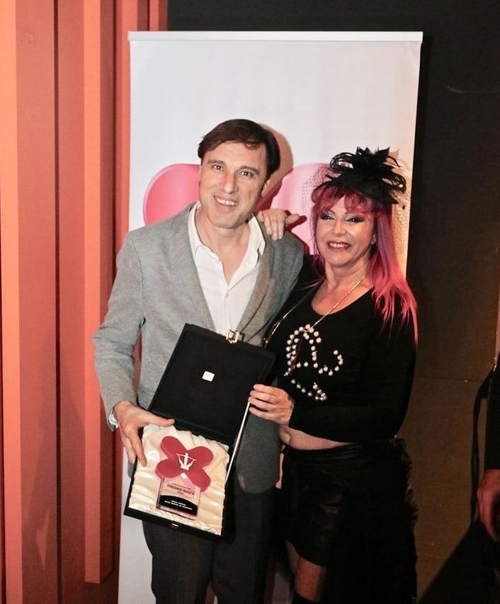 Carlos Resa entrega premios ninfa barcelona