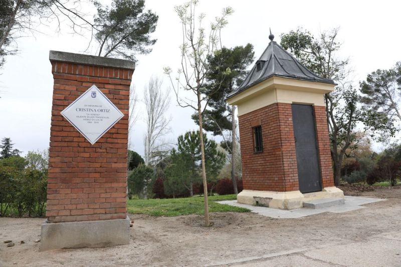 parque del oeste con placa de cristina la veneno